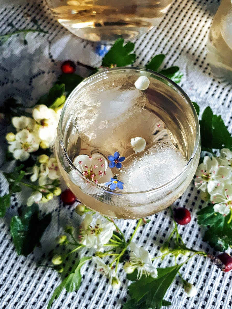 Queen of The May: Enchanting Hawthorn Blossom Cordial