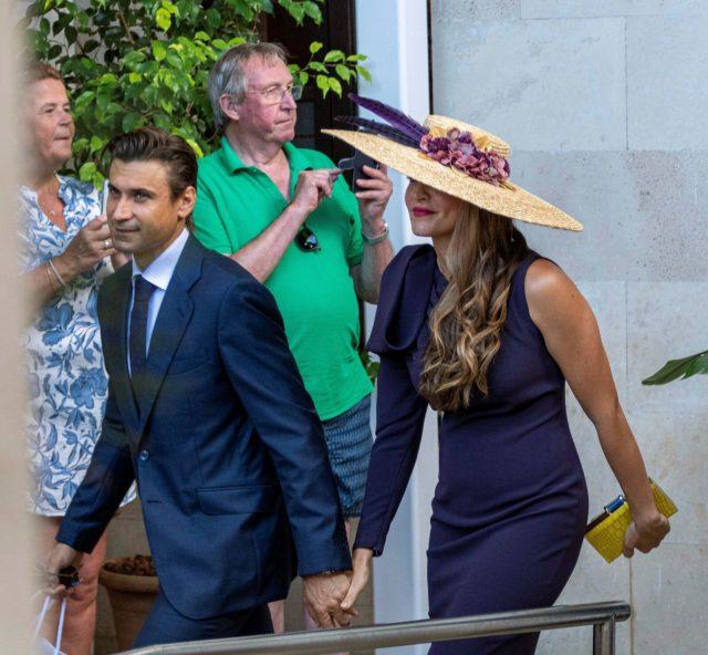 El tenista David Ferrer y Marta Tornel, invitados a la boda de Rafa Nadal y Mery PerellóEl tenista David Ferrer y Marta Tornel, invitados a la boda de Rafa Nadal y Mery Perelló