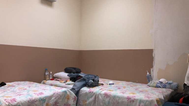 Estas son las camas en las que pasan todo el día, matando el tiempo, mientras pasa la cuarentena.