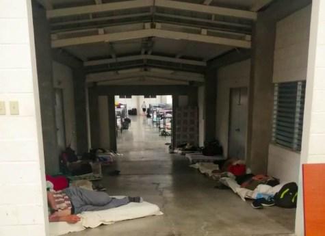 Condiciones en las que algunas personas en cuarentena tuvieron que dormir en Jiquilisco.