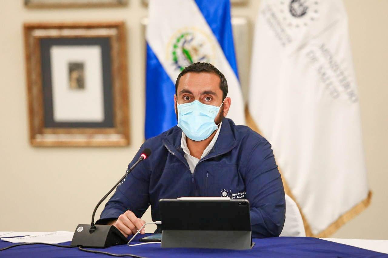 Fiscalía investiga al ministro de Salud por beneficiar a sus familiares durante la pandemia