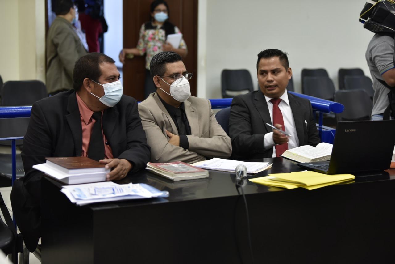 Abogados de los tres imputados del caso ataque a militantes del FMLN. Foto/Emerson Flores