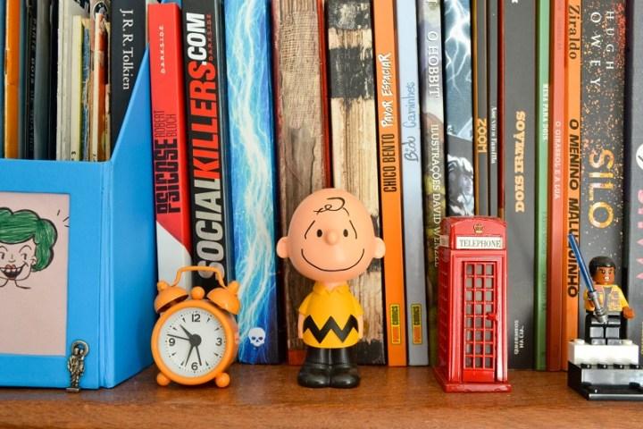 Detalhe da estante de livros-GatoQueFlutua-blog-Foto_Debb_Cabral.JPG