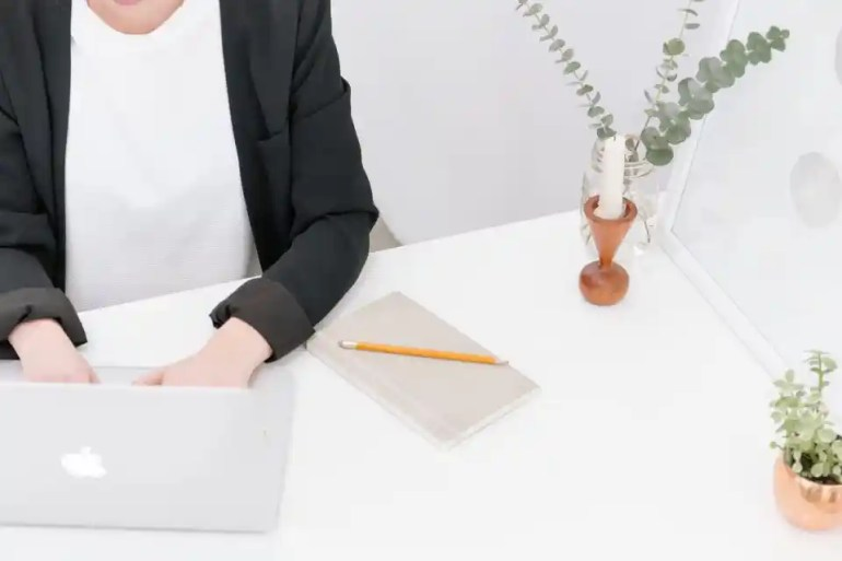 Accountant & Business Host