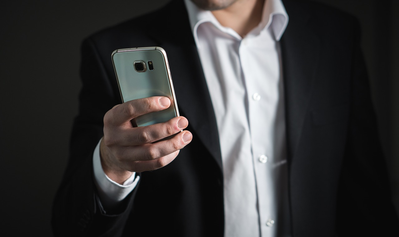The Benefits of Handheld Devices in the Workplace Gaurav Tiwari
