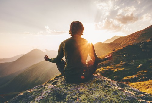 La meditación aumenta la capacidad de mantener el enfoque a pesar de las distracciones