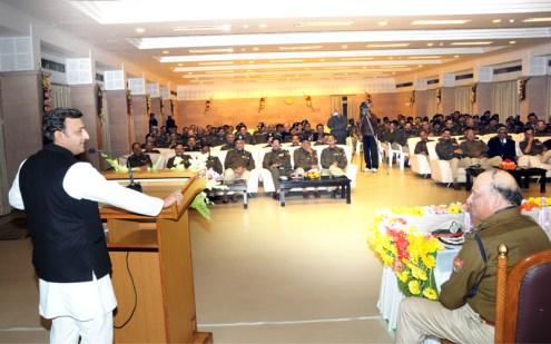 पुलिस वीक के समापन पर आयोजित रात्रिभोज के अवसर पर प्रदेश के आई0पी0एस0 अधिकारियों को सम्बोधित कर रहे थे।