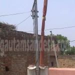 पूर्व विधायक रिजवान अहमद खाँ द्वारा मंदिर परिसर में लगवाई गई सोलर लाइट।