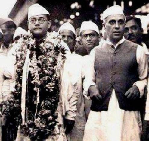"सुभाष चंद्र बोस ""नेता जी"" और जवाहर लाल नेहरू के अंतर को स्पष्ट करता चित्र।"