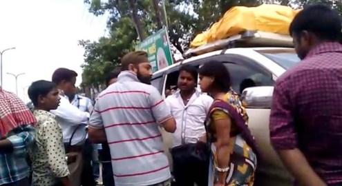मध्य प्रदेश के परिवार के साथ उलझता बरेली यातायात पुलिस का सिपाही।