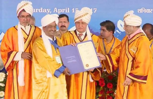 सुदीप चौहान को उत्तराखण्ड के राज्यपाल के. के. पॉल ने प्रदान किया उपाधि पत्र