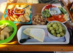 August 8 Boat Rules Happy Hour - Yum!
