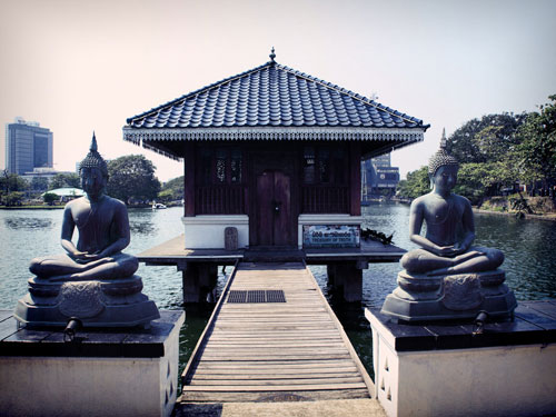 Colombo Attractions: Gangarama Temple