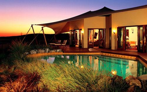 Best Hotels In Duabi: Al Maha Desert Resort