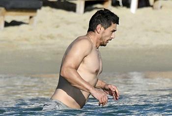 James Franco sin camisa