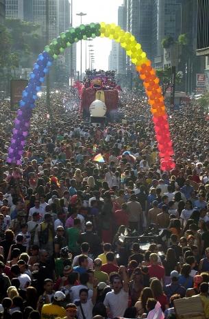 Lema de 2003 foi 'Construindo Políticas Homossexuais'