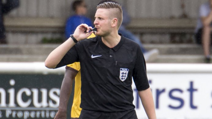 skysports-ryan-atkin-referee_4069403 (1)