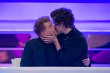 Harry-Styles-and-James-Corden-Kissing