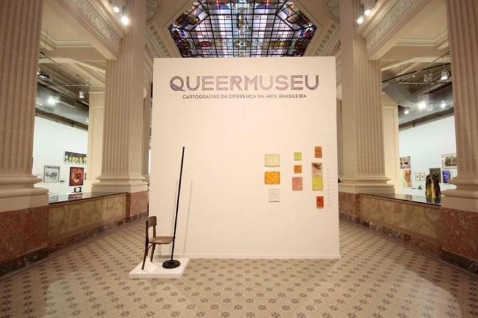 Entrada da mostra em Porto Alegre (foto: O Globo)