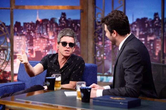 Noel Gallagher no The Noite (foto: divulgação)
