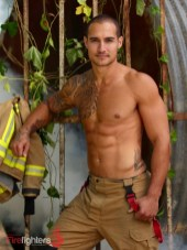 lloyd-2019-Hot-Firefighters-www.australianfirefighterscalendar.com2022-720x960