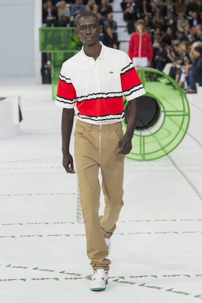 Camisa Polo Lacoste Masculina em Jérsei - R$ 440,00  (Divulgação)