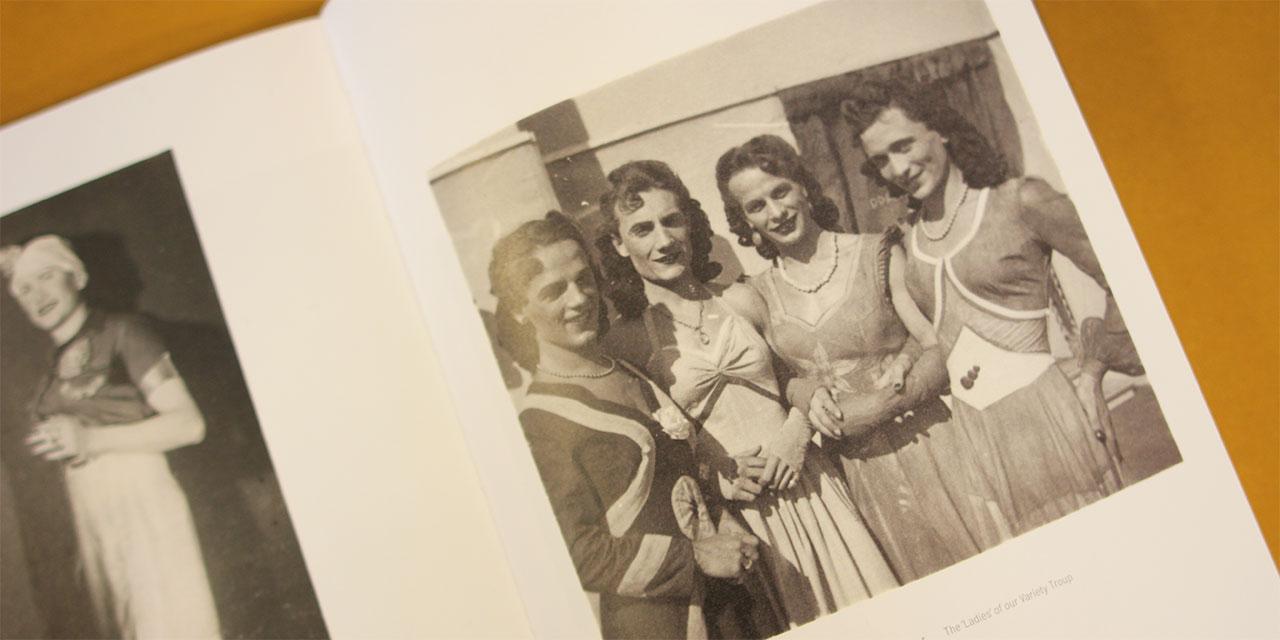 Livro reúne fotos de soldados nazistas fazendo cross-dressing