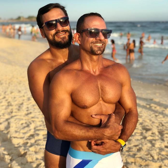 Alexandre Cordeiro (à esquerda) em foto com o major Emerson Cordeiro (à direita). Foto: reprodução/Instagram