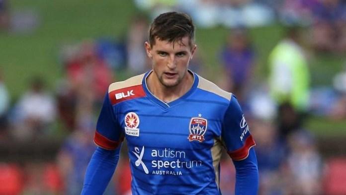 Estrela do futebol australiano, Andy Brennan desabafa no Instagram: 'sou gay'
