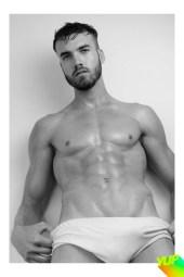 Carlos Mora publicado com exclusividade pala YUP Magazine