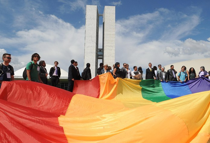 6 dos 11 ministros já votaram a favor da criminalização da homofobia