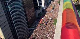 Parada LGBT+ de São Paulo movimentou R$ 403 milhões, diz Prefeitura