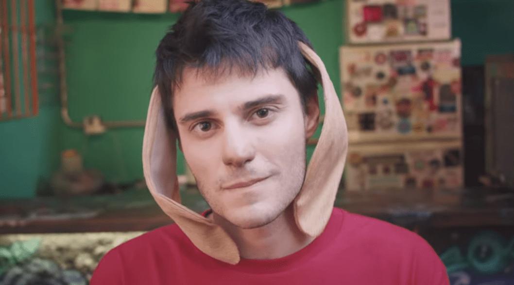 Bemti lança clipe com Hugo Bonemer; assista 'Eu Te Proíbo de Ter Esse Poder Sobre Mim'