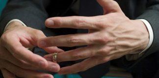 Dédalos Cruising bar faz promoção para homens casados