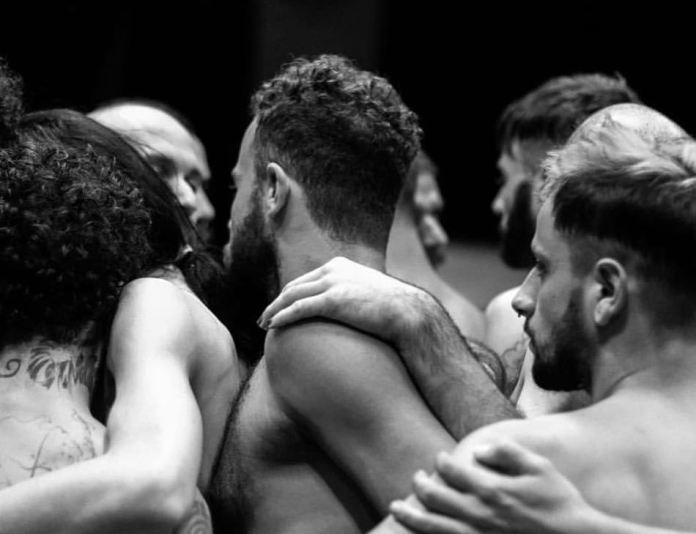 Teatro da PombaGira e Laboratório de Práticas Performativas da USP apresentam 'Demønios' no Teatro Décio de Almeida Prado