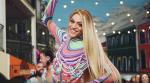"""Pabllo Vittar dança ao lado de influencers o hit """"Amor de Que"""" em ritmo de marchinha do """"Bloco Casa Comigo"""""""