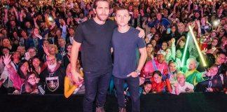 """Tom Holland diz que está com saudade do seu """"marido"""" Jake Gyllenhaal"""