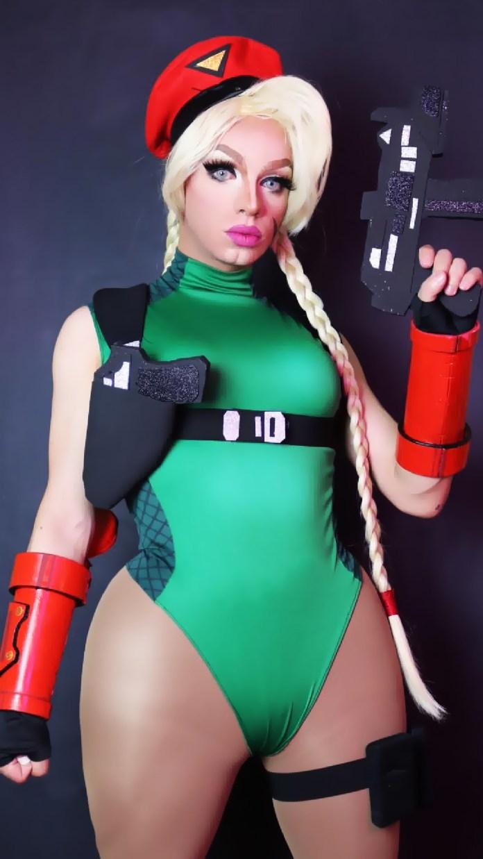 Cammy, de Street Fighter, é o cosplay favorito de Amanda Sparks.