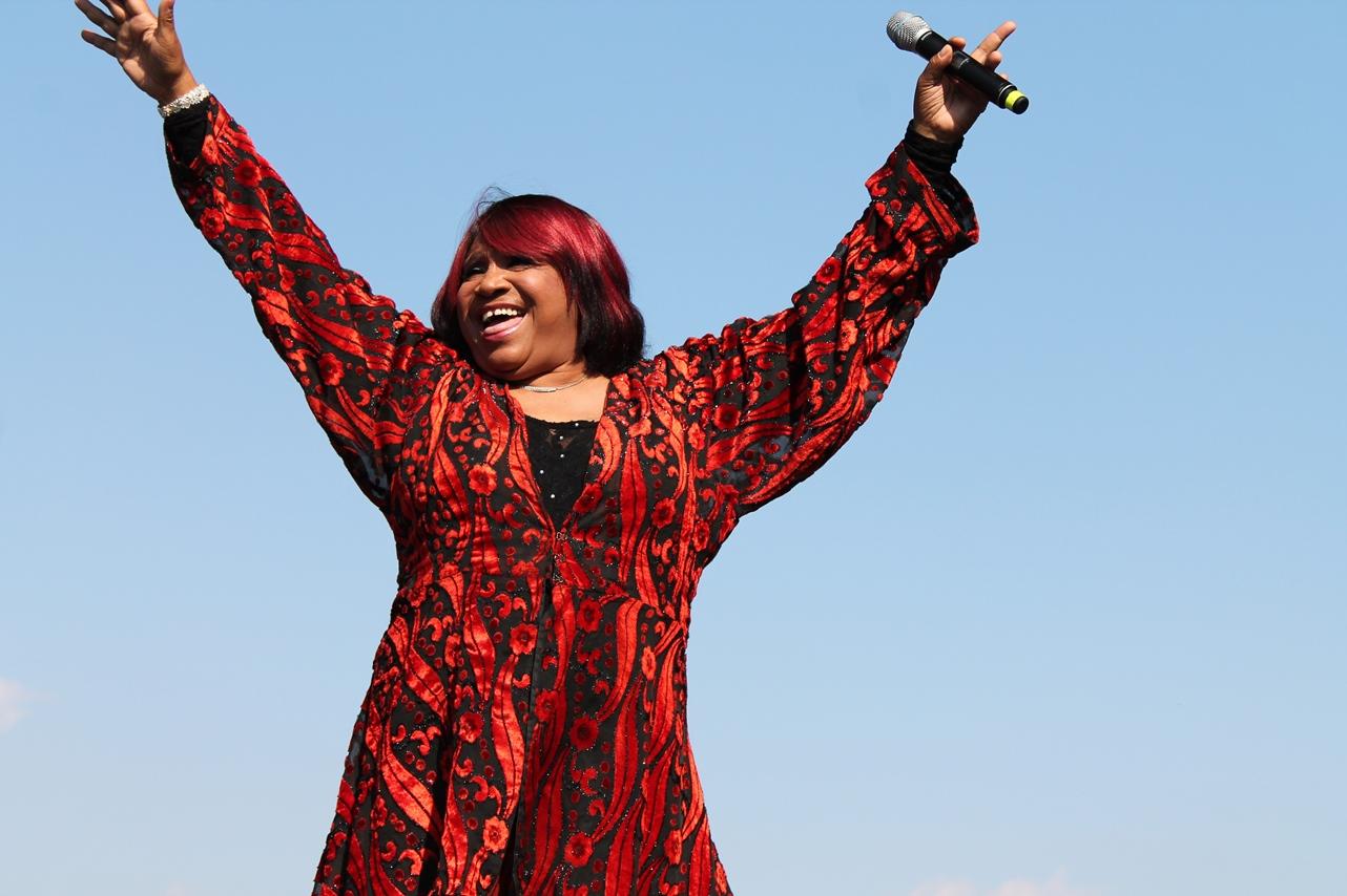 Pepper MaShay: a vovó diva do bate-cabelo que reina nas baladas gays do mundo todo
