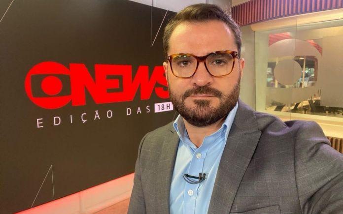 Marcelo Cosme apresenta namorado aos fãs