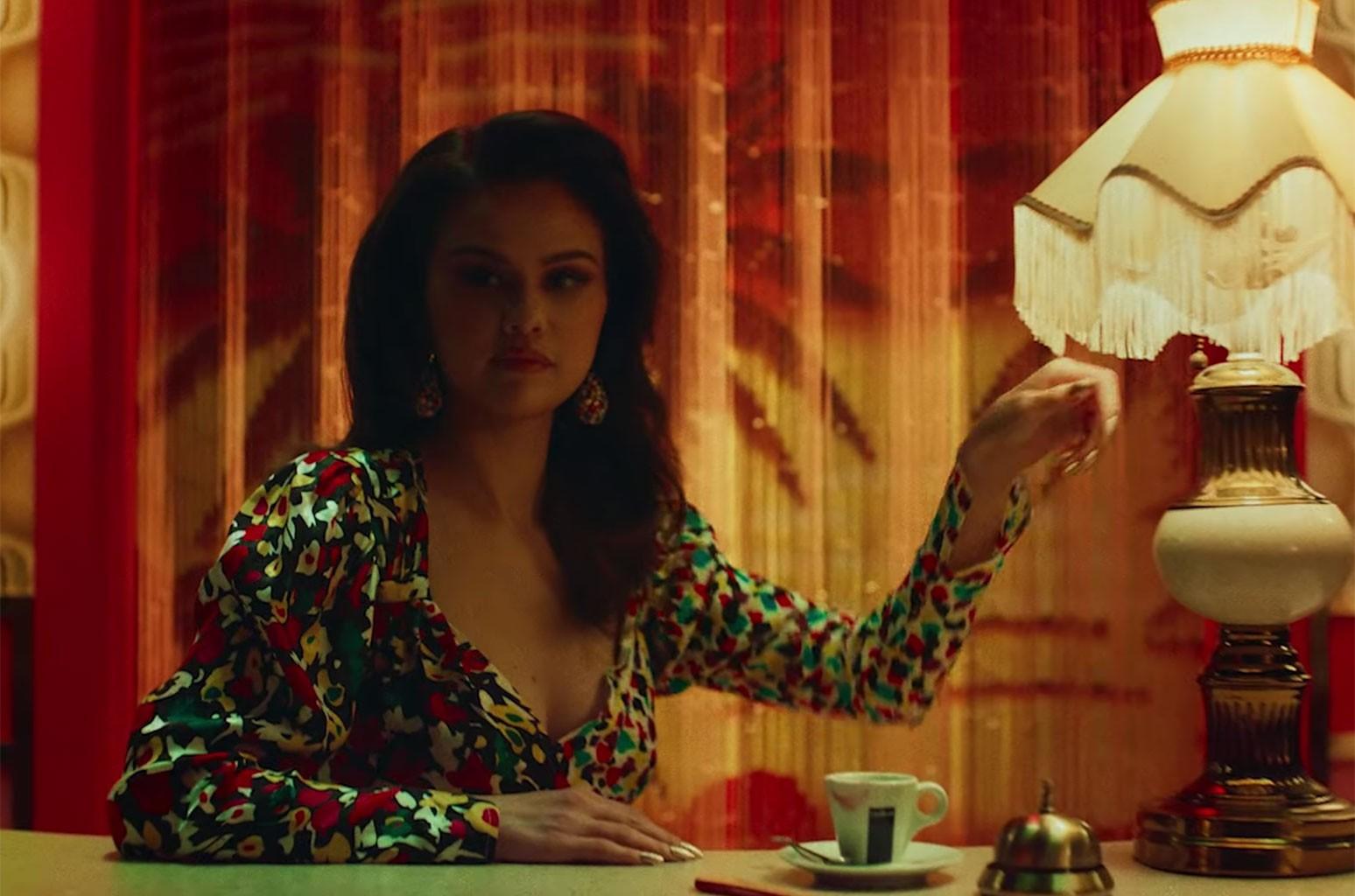"""Selena Gomez contratou coreógrafo brasileiro para clipe de """"Selfish Love""""; assista"""