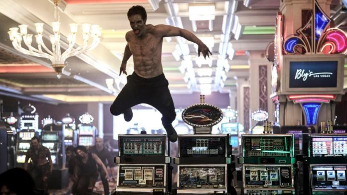 Zack Snyder preferiu não incluir cena de zumbi stripper dotado sendo mordido no pênis