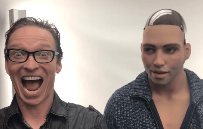Robô sexual com pênis biônico poderá ser programado para ser gay