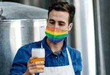 O projeto Brewing Love está unindo cerca de 20 cervejarias para uma iniciativa inédita para criação de receitas exclusivas fazendo referência às cores do arco-íris.