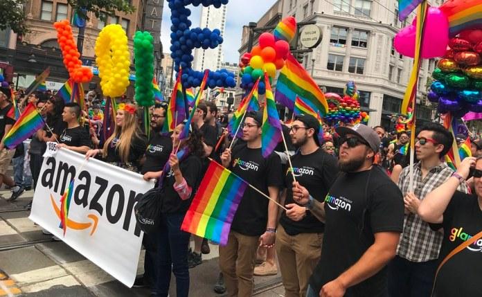 Amazon lança campanha LGBT+ e repasse de parte dos lucros à Parada SP