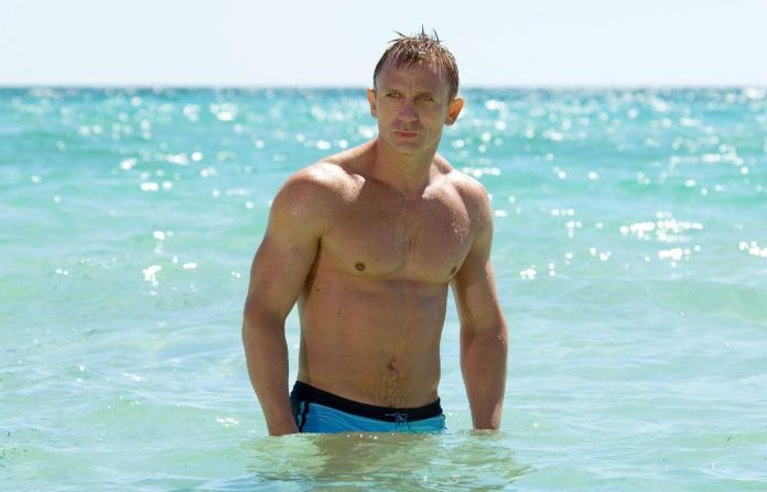 Ator de 007 pede para que novo James Bond fosse interpretado por homem gay