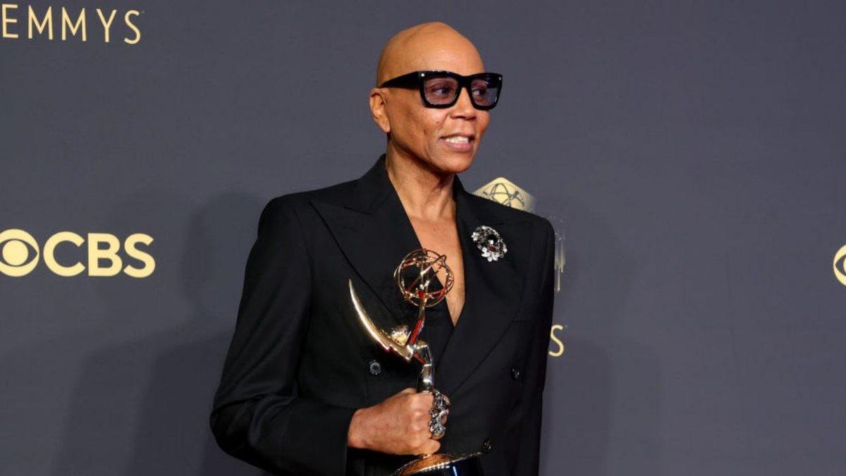 RuPaul se torna o artista negro com maior número de troféus do Emmy