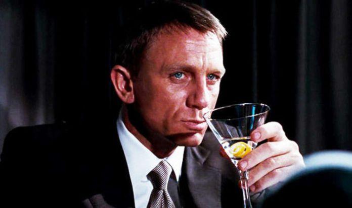 """Daniel Craig disse que prefere bares gays: """"Os héteros são muito tóxicos"""""""