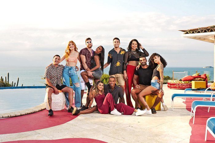 """Participantes fazem """"brotheragem"""" em reality show da MTV Brasil"""