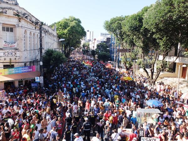 17ª Parada do Orgulho LGBT da Bahia neste domingo (9) em Salvador